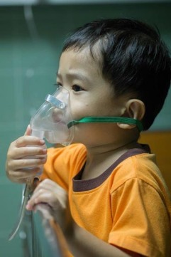 asthmatic child C shutterstock_225228247.jpg